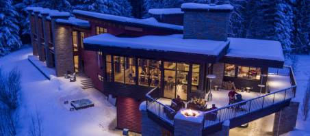 Luxury Chalet Whiteworth Chalet in Revelstoke, Canada