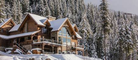 Luxury Chalet Bison Lodge in Revelstoke, Canada