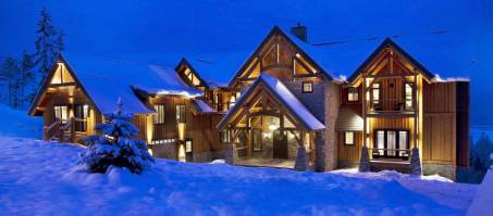 Luxury Chalet Bighorn Lodge in Revelstoke, Canada