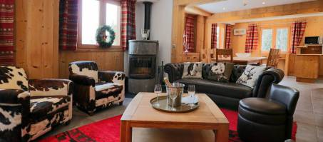 Chalet Panda in La Tania, France, book with Luxury Chalet
